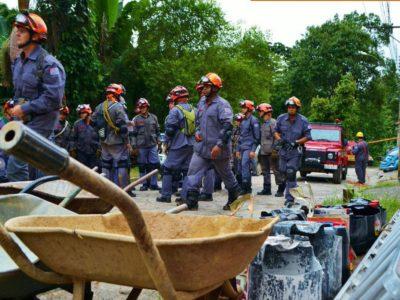 Baixada Santista contabiliza 30 mortos após as fortes chuvas de terça-feira