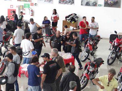 Festa de lançamento na Freire