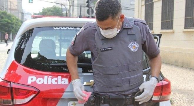 SP confirma mais de 500 policiais afastados por suspeita de covid-19
