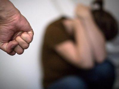 Denúncias de violência contra  mulheres aumentam 35% em abril