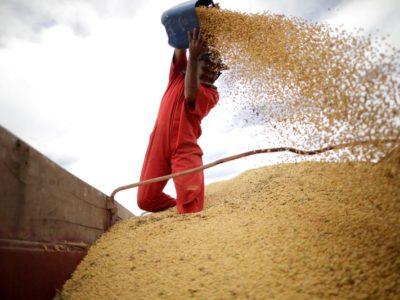 China recomenda que empresas de alimentos elevem estoques