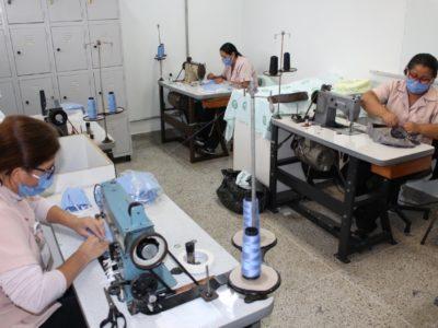 Costureiras da Santa Casa  confeccionam 5 mil máscaras