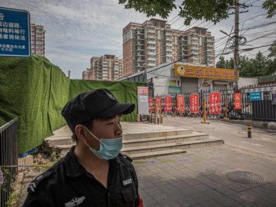 Pequim limita viagens e fala em 'sério risco' de 2ª onda de covid-19