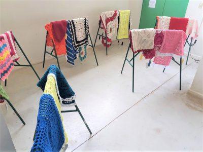 Detentas de Marília produzem artesanato através do projeto 'Transformando Linhas'