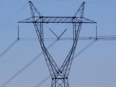 Aneel aprova minuta de contrato de operação de socorro a setor elétrico