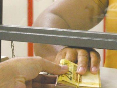 Demanda de empresas por crédito cresce 12,1% em junho ante maio, diz Serasa
