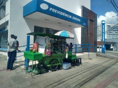 Agências do INSS reabrem no País sem peritos médicos