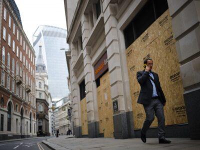 Reino Unido registra quase 3 mil casos de covid-19 pelo 2º dia seguido