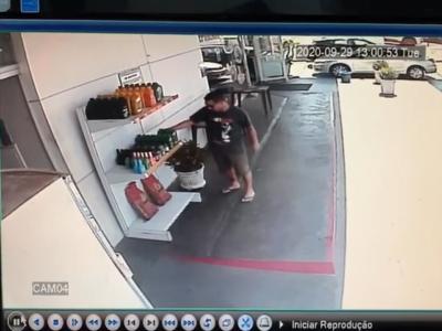 Polícia tenta identificar homem que furtou posto de combustível na zona Norte