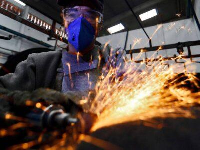 Índice de confiança do empresário industrial cresce em setembro em todos setores