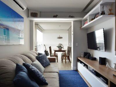 Acabamentos práticos modernizam apartamento de 87 m²