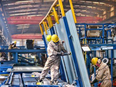 Índice IFO de sentimento das empresas cai a 92,7 em outubro