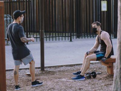 Vai treinar ao ar livre? Especialista dá dicas para fazer os exercícios de forma adequada