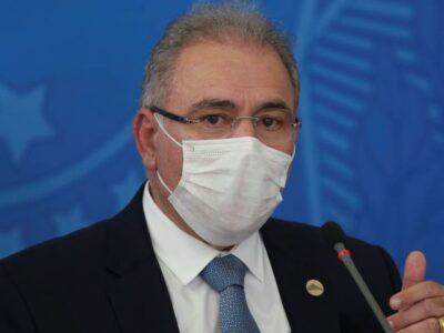 Queiroga pede apoio a embaixador dos EUA para vacinas e insumos