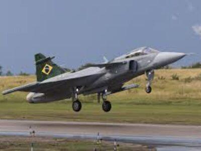 Embraer inicia ensaios em voo supersônico no Brasil