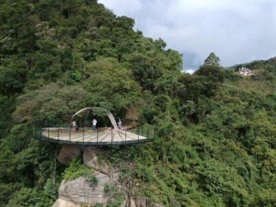 Parque da Cerveja inaugura bar do mirante com visual 180º das paisagens da Serra da Mantiqueira
